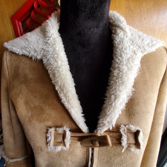 natalie & me weekend Jackets & Blazers - Faux Suede Tan Coat